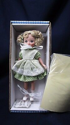 "Tonner 8"" Betsy McCall® Visists the Hudson Valley Style#E8BCSD03 NIB MINT"