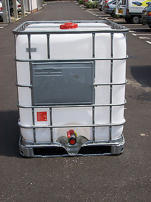 IMMACULATE, 1000 litre IBC water tanks, located in LONDON!