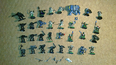 Warhammer 40K Metal 32 Figures, 5 small parts, painted