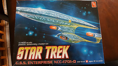 AMT 1:1400 Enterprise 1701-D Clear Limited Edition model kit