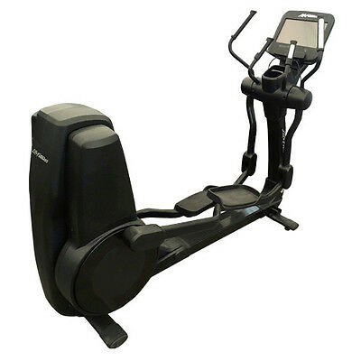 LIFE FITNESS 95X Elevation Series Ellipsen Cross Trainer mit Discover SE Android