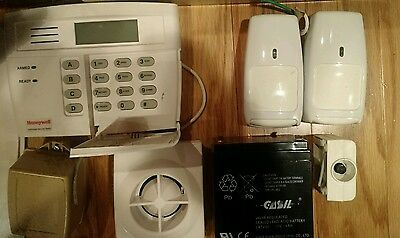 HONEYWELL INTRUSION FA130CP / FA130CPSIA First Alert Security System Used