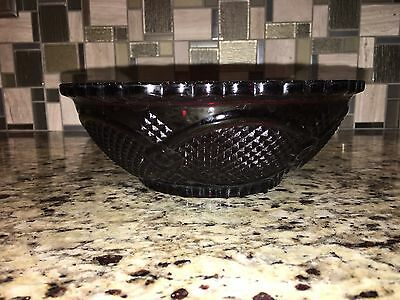 """Avon 1876 Ruby Red Cape Cod Collection 8 1/2"""" Serving Bowl Mint"""
