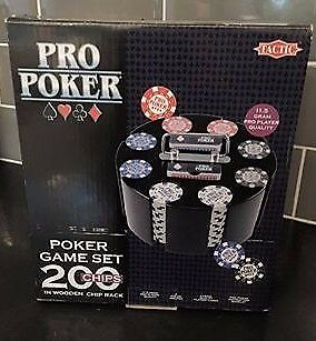 Pro Poker Game Set 200 Chips in wooden chip rack BRAND NEW IDEAL XMAS GIFT
