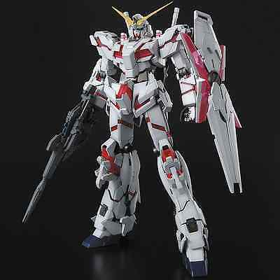 GUNDAM - 1/100 Unicorn Gundam Master Grade Model Kit MG Bandai