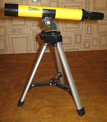 National Geographic Childs Toy 30Mm Telescope With Tripod