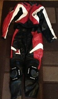 Ladies 2 piece leathers Frank Thomas size 8