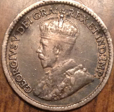 1913 Canada Silver 5 Cents Nice Grade And Blue Tone !