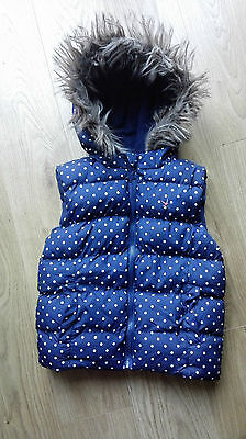 Primark Girls Hooded Gilet / Bodywarmer - Age 6-7 years