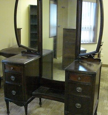 Great Antique Vanity With Triple Mirror