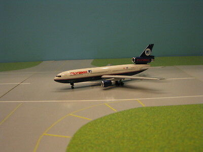 "Canadian Airlines ""mtv Fly2K"" Dc-10-30 1:400 Scale Diecast Metal Model"
