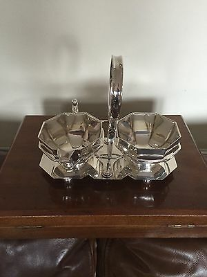 Lovely Silver Plated Sugar Bowl & Cream Jug On A Handled & Fitted Stand. ( 711)