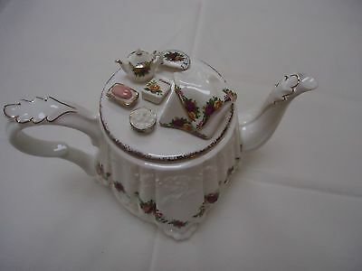 Royal Albert Old Country Roses Cardew Table Teapot Very Rare in vgc.