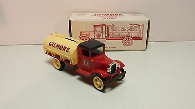 Toy ertl USA made Gilmore 1931 Hawkeye tanker truck