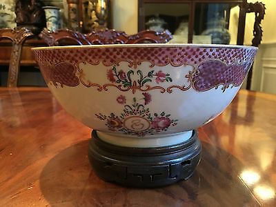 A Chinese Antique Export Famille Rose Bowl.