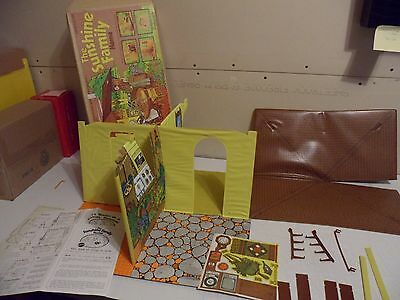 Vintage Mattel THE SUNSHINE FAMILY HOUSE (not complete)
