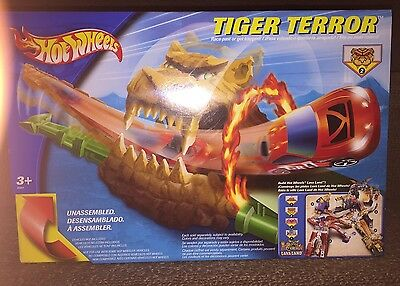 2003 Hot Wheels Tiger Terror B5667 NIB HTF Rare, 2/4 Lavaland Setup Playset LOOK