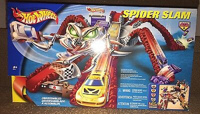 2003 Hot Wheels SPider Slam B5670 NIB HTF Rare, 3/4 Lavaland Setup Playset LOOK