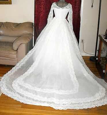 Vintage 1950s tulle Wedding gown size S / Detachable Train Veil & Slip! Gorgeous