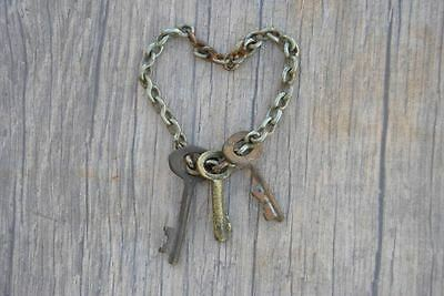 Orig. Antique Brass Small Skeleton Charming Necklace Pendants Art KEYS w Chain