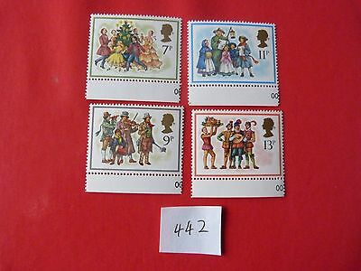 1978 Mnh Set Of Christmas Stamps With Margins