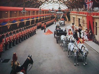 Queen Victoria -2Nd Bn Coldstream Guards As Guard Of Honour-Madame Tussauds