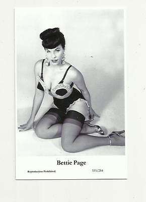(N74) Glamour Bettie Page Swiftsure (333/254) Photo Postcard Film Star Pin Up