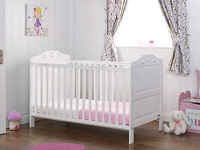 Obaby Lisa deluxe Cot Bed  White Cotbed teething rails, converts into junior bed
