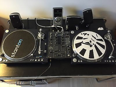 Stanton ST-150 and STr8-150 Turntables