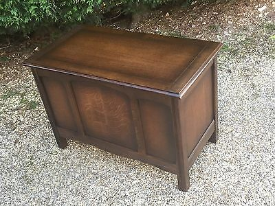 Superb Linen Fold Old Charm Style Oak Rug Toy Chest/blanket Box/coffee Table