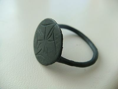 Ancient medieval with decoration ringkörper anneau ring