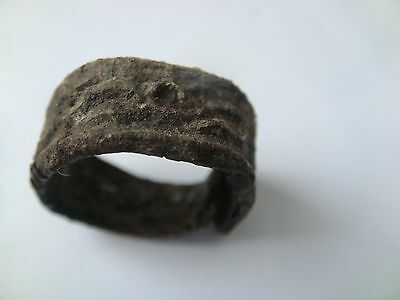 ANCIENT RING with snake ornament