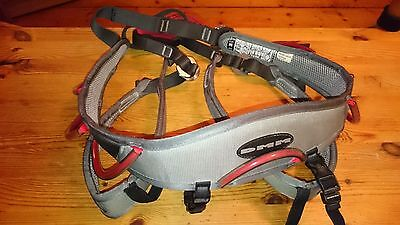 DMM Renegade 2 Rock and Ice Climbing Harness Size Large Grey & Red
