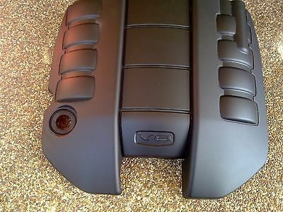 Holden Commodore VF V8 Genuine Engine Cover LS2