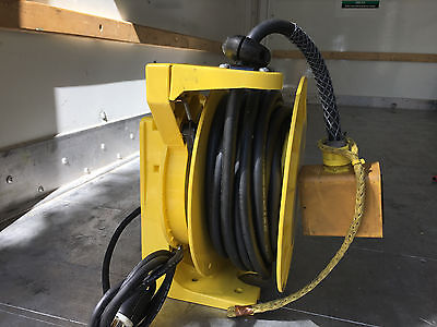 Woodhead Retractable Cable Cord Reel