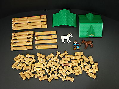Lincoln Logs Sunnyfield Stable, Building Logs