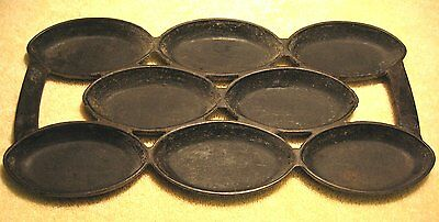 Vintage No. 4 Cast Iron Gem / Muffin Pan unmarked. Size matches Waterman #4 pan