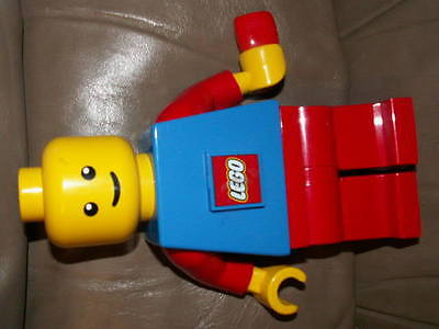 LEGO big mini fig wind up powered flash light figure which requires no batteries