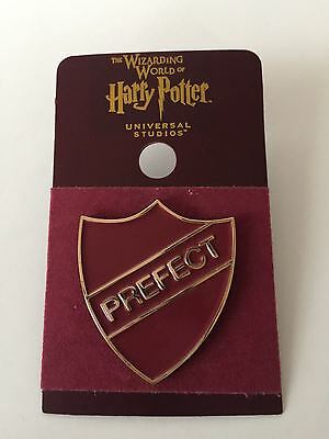 Universal Studios Harry Potter Griffyndor Prefect Pin New with Card