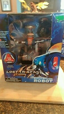 Lost in Space Battle Ravaged Robot