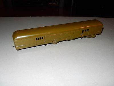 VINTAGE DIECAST- NEW YORK CENTRAL On30 BAGGAGE CAR- NEEDS TRUCK  - H12