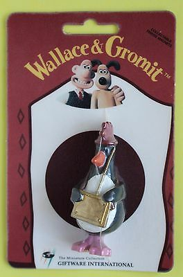 Wallace and & Gromit Fridge Magnet Pilfering Penguin New on Card Feathers McGRAW