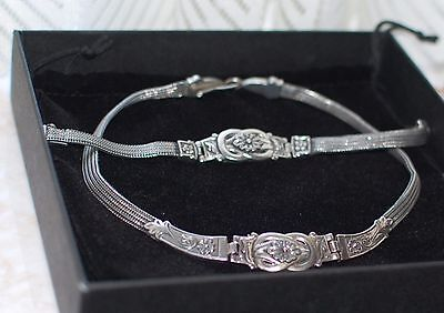 Detailed 925 silver necklace and matching bracelet set