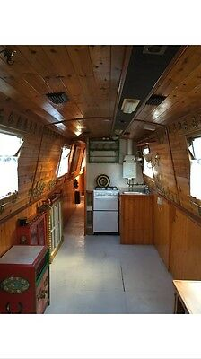 Narrow Boat to rent in London