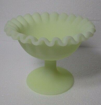 FENTON 'Uranium' Custard Art Glass Bowl on Stem.  13 x 10 cm (Ohio U.S.A.)