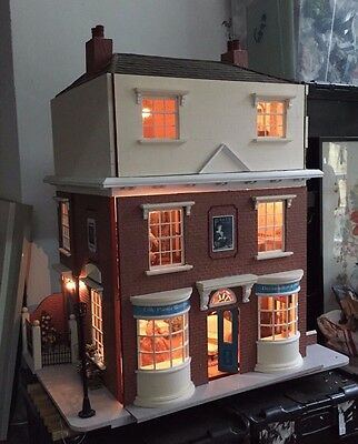Super Quality Dolls House Complete With Figures Furniture & Lights Etc Mansion