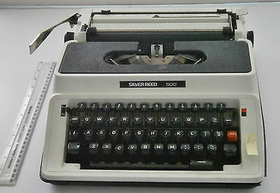 VINTAGE 1960s OLYMPIA SILVER REED 500 TYPEWRITER - WORKS VERY WELL