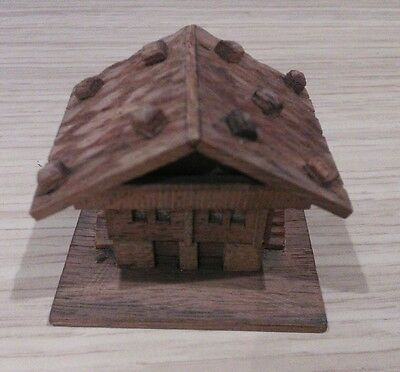 House / Chalet Wooden Thimble Holder with Thimble.