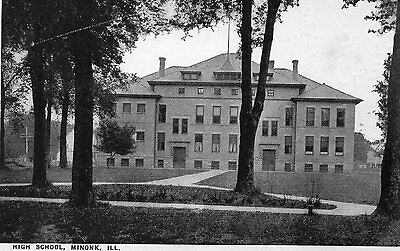 USA  ILL Unused black & white printed postcard of High School, Minonk