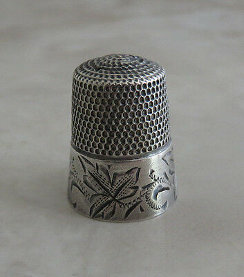 Antique Simons Sterling Silver Thimble Sz.11 Engraved Leaves Band Has 1 Hole